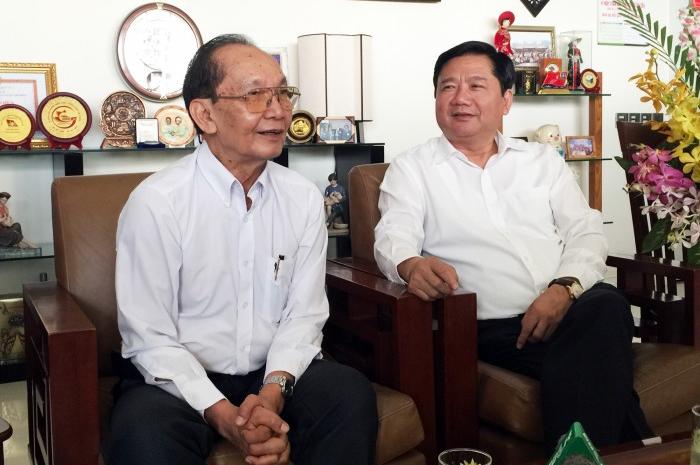Bí thư Đinh La Thăng lắng nghe trăn trở về y tế TP HCM