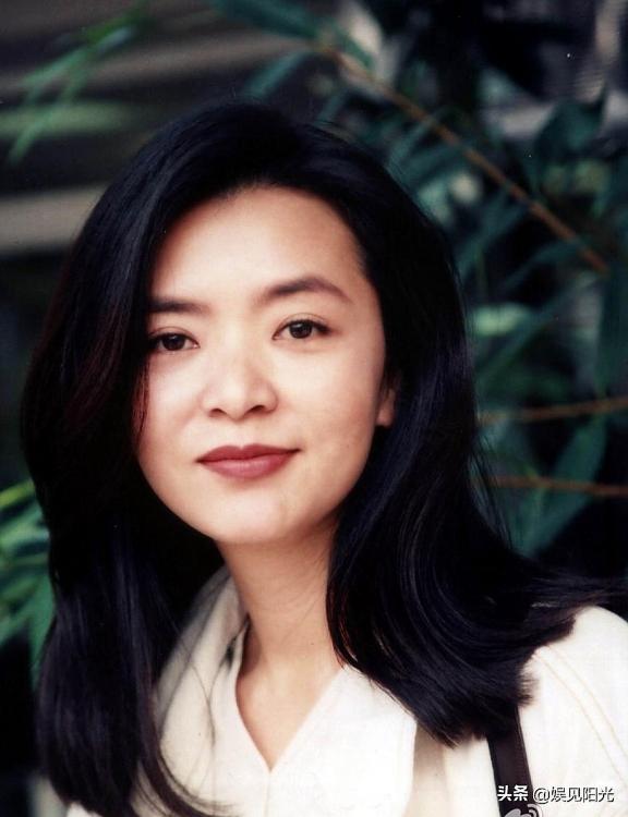 Cuộc đời thăng trầm của 'Tiểu Long Nữ' từng từ chối Lưu Đức Hoa, bỏ Châu Nhuận Phát