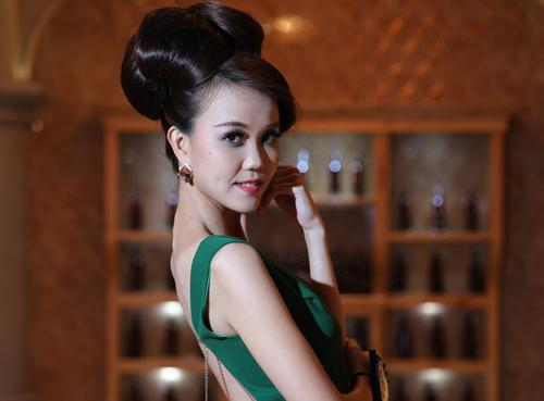Người đẹp Hoa hậu Đại dương lộng lẫy với váy dạ hội