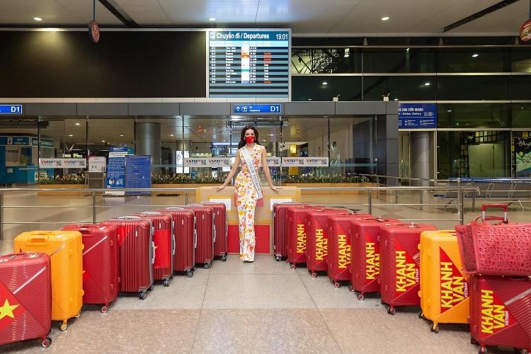 Hoa hậu Khánh Vân lên đường sang Mỹ dự thi Miss Universe 2021