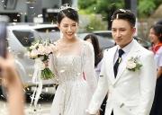 Hoãn cưới, hủy show vì dịch Covid-19, sao Việt được công chúng khen nức nở