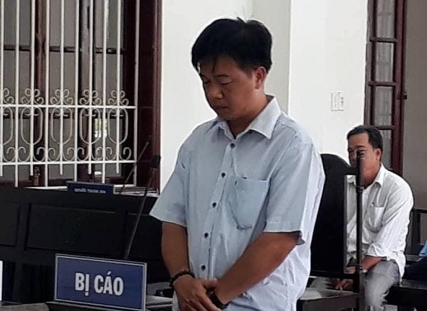 Vĩnh Long: Cựu Chủ tịch xã tham ô lấy tiền mua laptop