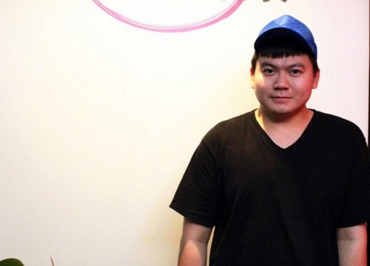 Ca sĩ tự tử vì bị… chê béo