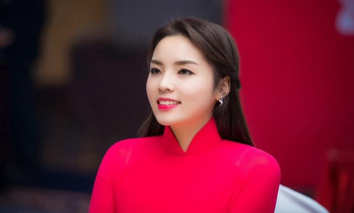 """Hoa hậu Kỳ Duyên và chuyện """"đại diện"""" của các hoa hậu"""
