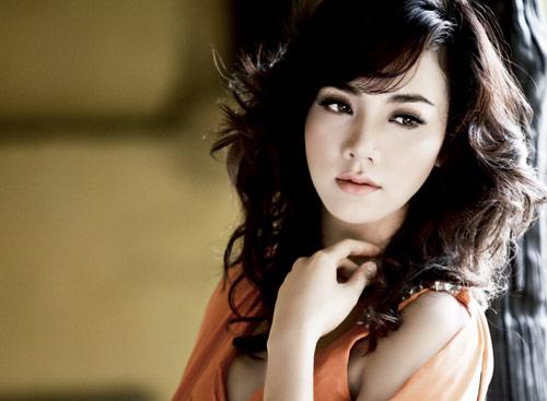 """Người mẫu Trang Nhung: """"Ai cũng nghĩ tôi phải yêu đại gia, nhưng…"""""""