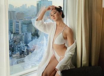 a hau tuong san dien bikini khoe body muot mat