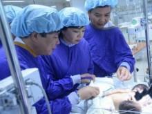 Hai bé sơ sinh dính liền bụng ở Hà Giang đã tử vong