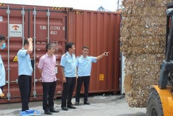 container phe lieu ton dong tai cac cang bien giam manh