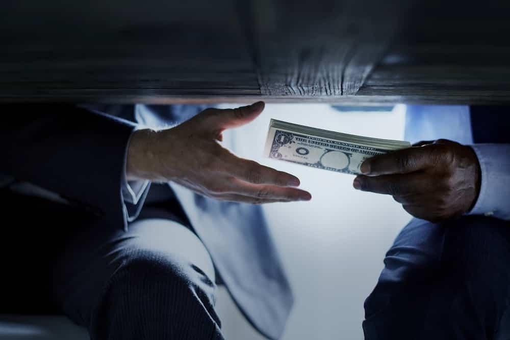 Doanh nghiệp tư nhân cũng nằm trong phạm vi phòng chống tham nhũng