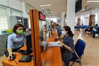 Người nộp hồ sơ đề nghị hưởng trợ cấp thất nghiệp tăng