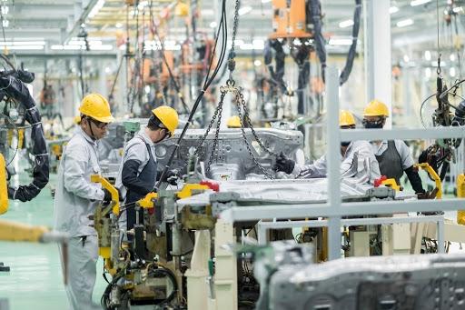 Bộ Tài chính không đồng tình giảm thuế động cơ, hộp số ô tô theo đề xuất của Bộ Công Thương
