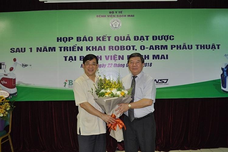 hon 500 benh nhan da duoc phau thuat thanh cong bang robot