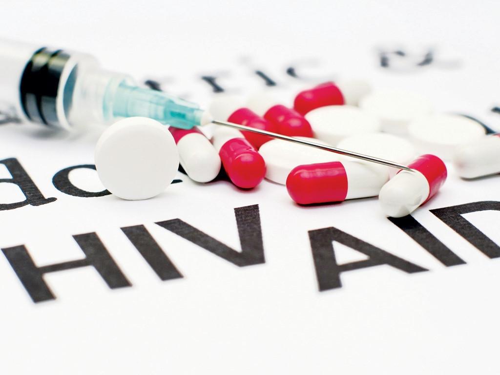 bac si dung chung kim tiem lam benh nhan nhiem hiv