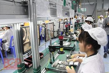 Việt Nam xuất siêu gần 3 tỷ USD