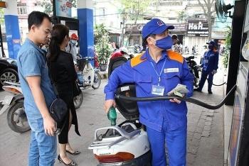 Giá xăng dầu tiếp tục giảm tới hơn 1.000 đồng/lít