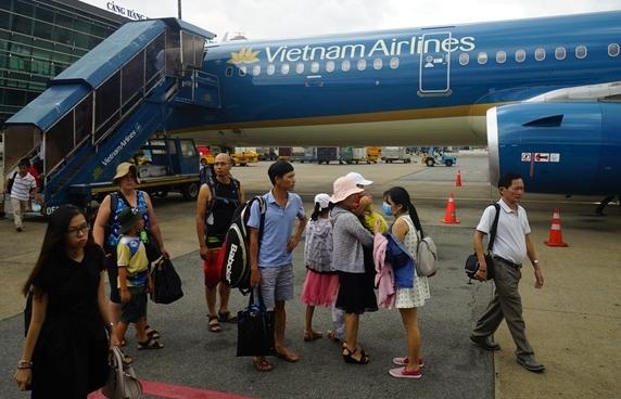 Vietnam Airlines lưu ý hành khách đi máy bay dịp 30/4-1/5