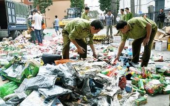 Hà Nội: Phát hiện và xử lý gần 1.800 vụ buôn lậu, gian lận thương mại