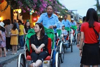 Gần 13 triệu lượt khách quốc tế đã đến du lịch Việt Nam