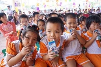 Sữa học đường bắt buộc phải có 21 vi chất dinh dưỡng