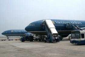 Vietnam Airlines hủy nhiều chuyến bay do bão số 8
