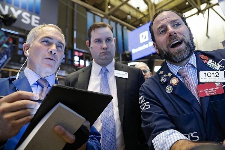 Dow Jones tăng hơn 1.100 điểm