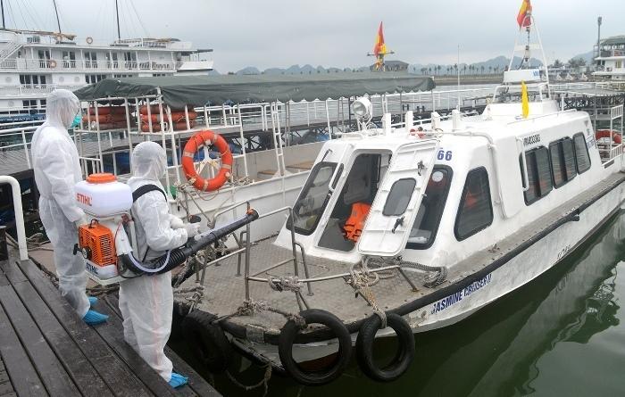 Hai du khách nhiễm nCoV từng tham quan vịnh Hạ Long