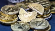gia bitcoin tiep tuc tang vot vuot 11000 usd