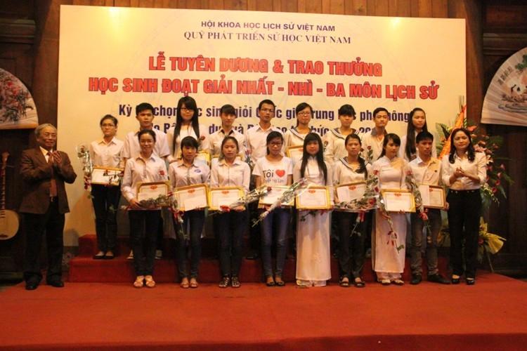 Tuyên dương 110 học sinh giỏi Lịch sử Quốc gia