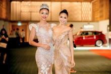 Phạm Hương rạng rỡ hội ngộ Hoa hậu Pháp Flora