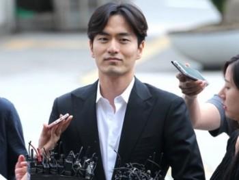 Tiết lộ lý do khiến sao Hàn dễ dính scandal cưỡng dâm