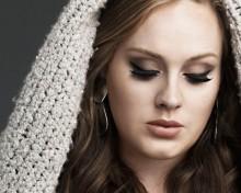 "Adele ""đốn tim"" bằng eyeliner"