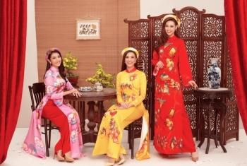 Hoa hậu Khánh Vân xúng xính váy áo đón xuân