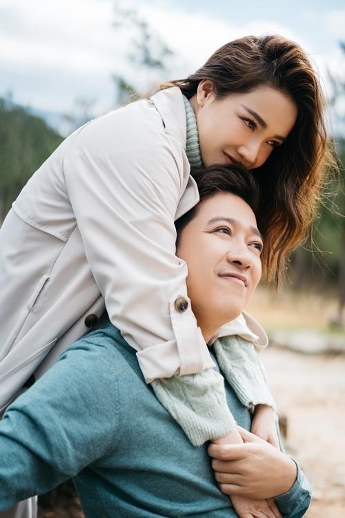 Hiện cả hai đang có một cuộc sống viên mãn và cũng cởi mở hơn khi thường xuyên chia sẻ hình ảnh, bày tỏ tình cảm trên mạng xã hội
