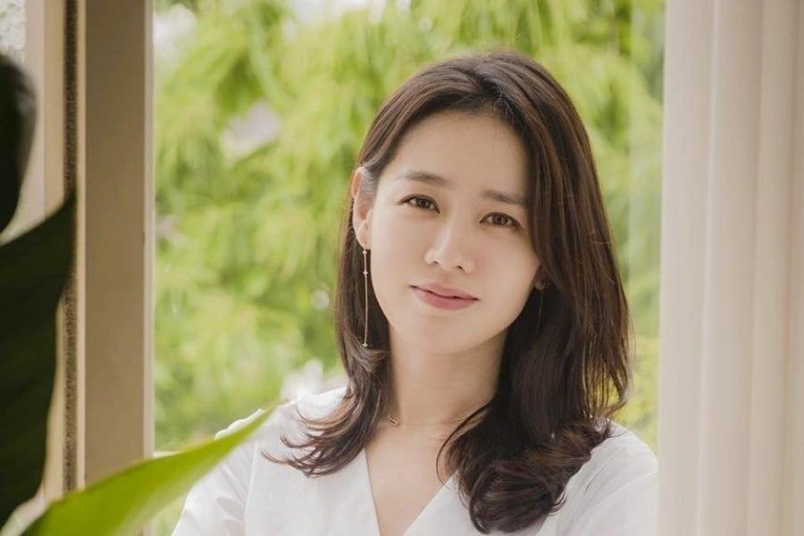 son ye jin kim won bin quyen gop 100 trieu won chong dich covid 19