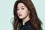 Jeon Ji Hyun quyên góp 100 triệu won sau khi bị chỉ trích keo kiệt