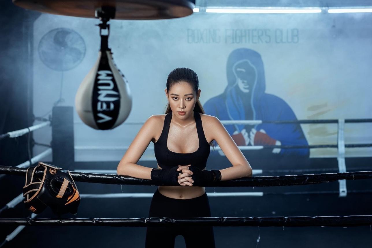 Hoa hậu Khánh Vân sexy và cá tính với hình tượng boxing girl