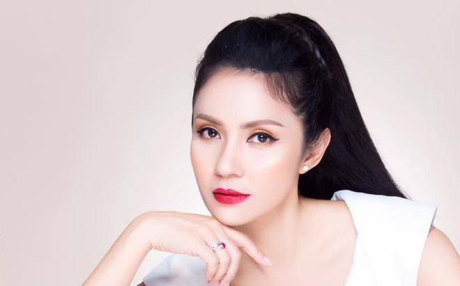 """Việt Trinh: """"Cuộc sống tôi thay đổi hoàn toàn từ khi làm Mẹ"""""""
