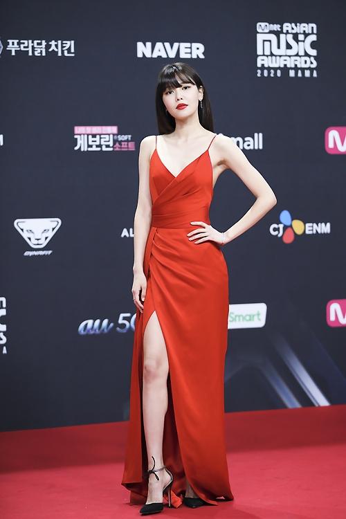 Soo Young (SNSD): Từ nghi ngờ dùng tiền mua danh đến sự nghiệp và đời tư viên mãn