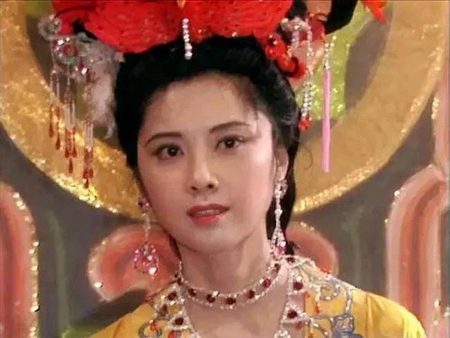 """""""Trung Quốc đệ nhất mỹ nhân"""" gần 70 tuổi vẫn xinh đẹp rung động lòng người"""