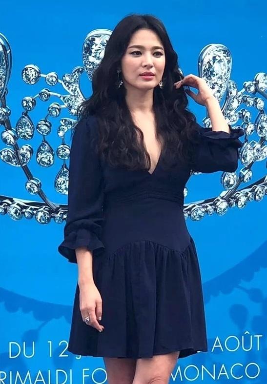 song hye kyo khoe ve rang ro sau ly hon voi song joong ki