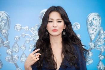 Song Hye Kyo khởi kiện người tung tin cô cặp đại gia, ngoại tình