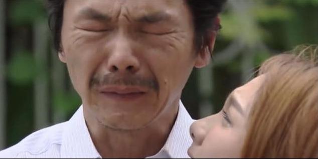 """""""Về nhà đi con"""" tập 70: Ông Sơn khóc nghẹn đón Thư trở về nhà"""