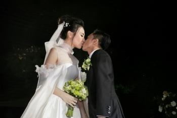 Cường Đôla hôn say đắm Đàm Thu Trang trong lễ cưới