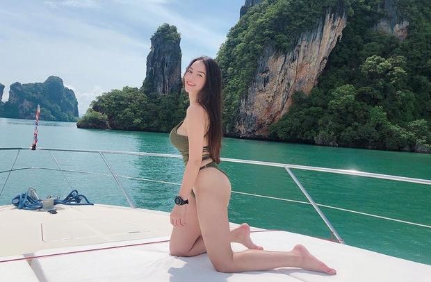 thuy top khoe 3 vong nong bong voi bikini