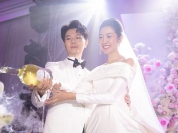 Á hậu Thúy Vân thông báo có thai trong lễ cưới