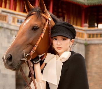 Kaity Nguyễn hóa quý cô sang chảnh cưỡi ngựa trong Đại Nội Huế