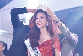 my huyen dang quang ngoi vi cao nhat tai miss international globe 2019