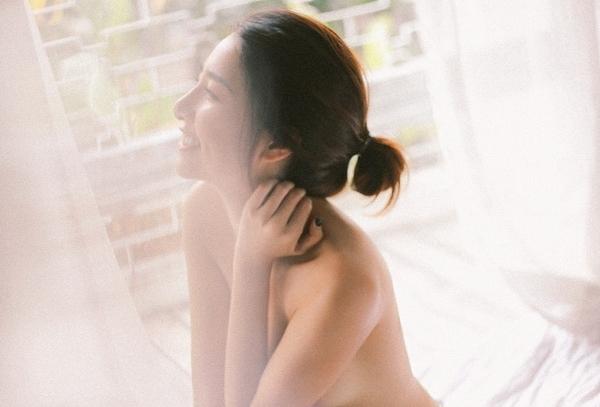 minh khue co gai xau xi khoe anh ban nude quyen ru