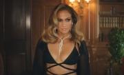 Jennifer Lopez gợi cảm trong thiết kế của Công Trí