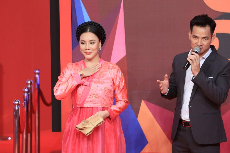 ho quynh huong bat ngo tham gia on gioi cau day roi